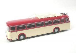 【送料無料】模型車 モデルカー スポーツカー クラウスバスkraus  maffei  kmo 160  bus  rot  1953  1957