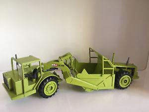 【送料無料】模型車 モデルカー スポーツカー コンラッドスクレーパーterex ibh ts14 b schrfzug von conrad 411 143