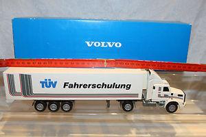 【送料無料】模型車 モデルカー スポーツカー コンラッドボルボインタークーラーフリーゴモデルテュフトレーニング150 conrad volvo nl 12 intercooler frigo werbemodell tv fahrschulung raritt
