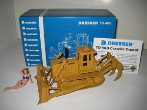 【送料無料】模型車 モデルカー スポーツカー ドレッサーリッパーブルドーザーdresser td 40 b ripper planierraupe ccm 148 ovp