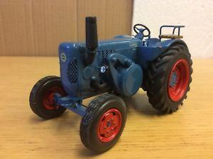 【送料無料】模型車 モデルカー スポーツカー スケールレースサーキットファイルブルドッグトタートターキット132 scale autodrome lanz bulldog 6016 tractor tracteur traktor built wm kit