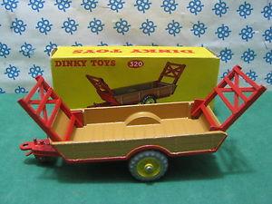 【送料無料】模型車 モデルカー スポーツカー ビンテージハレファームトレーラーvintage dinky toys 320  halesower farm trailer    mib