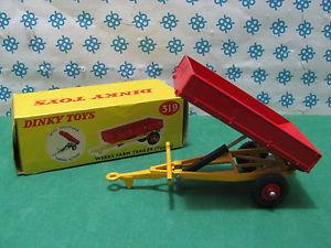 【送料無料】模型車 モデルカー スポーツカー ビンテージファームトレーラーアクションvintage dinky toys 319  weeks farm trailer tipping action   mib
