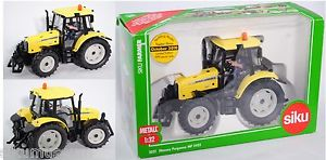 【送料無料】模型車 モデルカー スポーツカー マッシーファーガソンダイナトタースポルディングsiku farmer 3051 00601 massey ferguson mf 5460 dyna4 traktor spalding 132