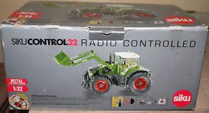 【送料無料】模型車 モデルカー スポーツカー siku control 32 fendt vario 939 mit frontlader set 6769