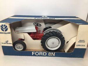 【送料無料】模型車 モデルカー スポーツカー スケールモデルスケールニューホーランドフォードアメリカjle scale models ertl 18 scale holland ford 8n jle407ds made in usa