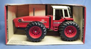 【送料無料】模型車 モデルカー スポーツカー ビンテージトターダイカストハードvintage ih international 3588 22 4wd tractor diecast ertl 116 nib hard to find