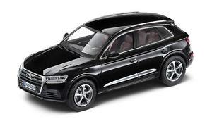 【送料無料】模型車 モデルカー スポーツカー アウディモデルカーモデルブラックaudi q5 modellauto 143 modell 2016 mythosschwarz schwarz 5011605633