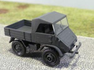 【送料無料】模型車 モデルカー スポーツカー スイスアーミー187 epoche unimog 411 schweizer armee 11049