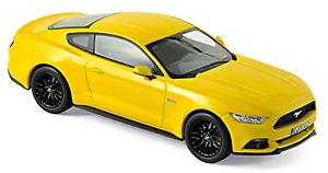 【送料無料】模型車 モデルカー スポーツカー フォードマスタングイエローイエローメタリック