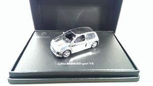 【送料無料】模型車 モデルカー スポーツカー ルノークリオスポーツuh renault clio sport v6 *vi50827