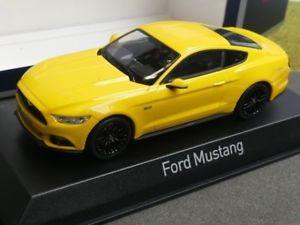 【送料無料】模型車 モデルカー スポーツカー フォードムスタング