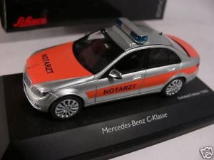 【送料無料】模型車 モデルカー スポーツカー クラスセダン143 schuco mb cklasse limousine w204 notarzt 04923