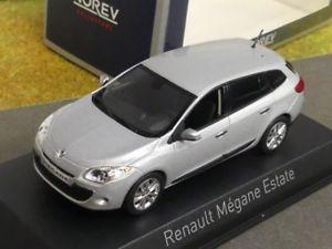 【送料無料】模型車 モデルカー スポーツカー ルノーメガーヌエステートメタリックシルバー143 norev renault megane estate 2009 silbermetallic 517646