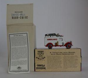【送料無料】模型車 モデルカー スポーツカー マッチモデルカーmatchbox yym35192 1937 gmc ambulance modellauto ovp