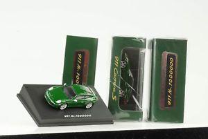 【送料無料】模型車 モデルカー スポーツカー ポルシェカレラアイリッシュグリーンスパークディーラー3 x 2017 porsche 911 991 carrera s 1 million irisch grn 187 spark dealer