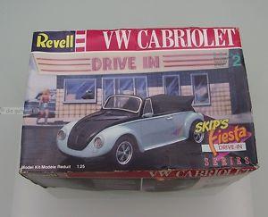 【送料無料】模型車 モデルカー スポーツカー フォルクスワーゲンカブリオレキットフィエスタスキップrevell 7151 vw cabriolet 125 bausatz 1994 original belassen skips fiesta