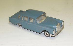 【送料無料】模型車 モデルカー スポーツカー メルセデスベンツモデルカーmercedes benz 220 se 186 dinky toys modellino auto anni 60 scala 143 38