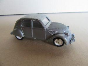 【送料無料】模型車 モデルカー スポーツカー 372g jouet plastique cl gaget 14 citron 2cv grise 148