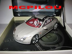 【送料無料】模型車 モデルカー スポーツカー ルノーフルエンスコンセプトカーnorev cret renault concept car fluence 2004 au 143