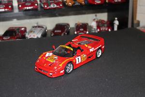 【送料無料】模型車 モデルカー スポーツカー フェラーリコースマカオferrari f50 course macao 1995 118 bburago