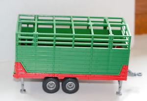 【送料無料】模型車 モデルカー スポーツカー トレーラースケールトラックシリーズsiku 2875 viehanhnger viehwagen farmerserie mastab 132 mit zwei kelber