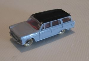 【送料無料】模型車 モデルカー スポーツカー フィアットノワールリラdinky toys fiat 1800 rf 548 noirparme lilas excellent etat dorigine