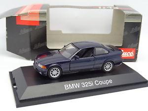【送料無料】模型車 モデルカー スポーツカー クーペschuco 143 bmw 325 i coupe e36 bleue