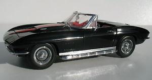 【送料無料】模型車 モデルカー スポーツカー クリエイティブマスターズコルベットロードスターrevell 8805 creative masters 1967 427 corvette roadster