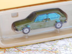 【送料無料】模型車 モデルカー スポーツカー ゴルフシリーズvanguards vw golf l mk1 series 1 green