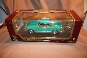 【送料無料】模型車 モデルカー スポーツカー エディションモデルroad legends 1966 volkswagen karmannghia 118 edition die cast model 92198