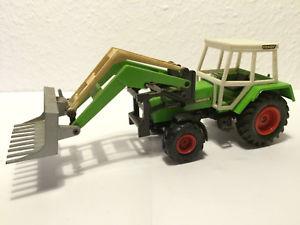 【送料無料】模型車 モデルカー スポーツカー ターボマチックフロントローダートターfendt farmer turbomatik mit frontlader traktor siku 132