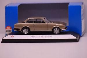【送料無料】模型車 モデルカー スポーツカー プジョークーペフェーズヌフマウントpeugeot 504 coupe phase ii nationale 7 143 neuf en boite montage usine