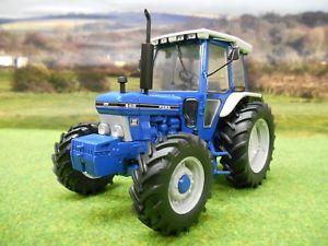【送料無料】模型車 モデルカー スポーツカー ユニバーサルフォードトターuniversal hobbies ford 6410 generation 3 4wd tractor 132 4248