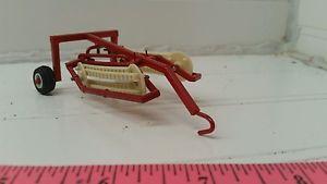【送料無料】模型車 モデルカー スポーツカー カスタムファームダブルバーレーキ164 ertl custom farm toy ih hamp;s red white double bar rake scratch built