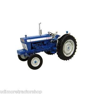 【送料無料】模型車 モデルカー スポーツカー ユニバーサルフォードトター2808 universal hobbies ford 5000 tractor boxed 132