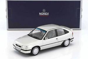 【送料無料】模型車 モデルカー スポーツカー オペルメタリックシルバーopel kadett e gsi baujahr 1987 silber metallic 118 norev