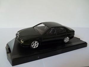 【送料無料】模型車 モデルカー スポーツカー モデルアルファロメオspeed model sc143 alfa romeo 166 berlina
