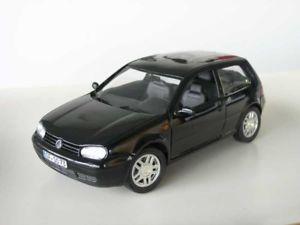【送料無料】模型車 モデルカー スポーツカー ゴルフrevell vw golf iv gti schwarz 118 limitiert 1700