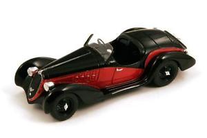【送料無料】模型車 モデルカー スポーツカー アルファロメオブラックレッドスパーク