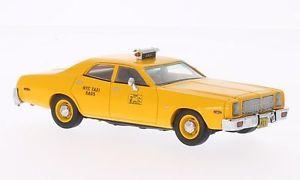 【送料無料】模型車 モデルカー スポーツカー ニューヨークタクシーダッジモナコネオスケールdodge monaco york city taxi 1977 neo scale 143 43514