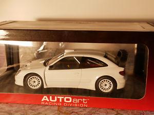 【送料無料】模型車 モデルカー スポーツカー タイプボディバージョンauto art 2004 xsara wrc plain body version white 118