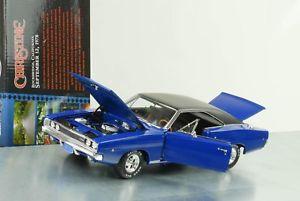 【送料無料】模型車 モデルカー スポーツカー ムービークリスティンデニスギルダーdodge charger 1968 movie christine dennis guilders 118 auto world neu