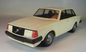 【送料無料】模型車 モデルカー スポーツカー フィンランドプラスチックボルボgtlホワイト#stahlberg finland 120 plastik volvo glt wei 2911