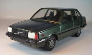 【送料無料】模型車 モデルカー スポーツカー フィンランドプラスチックボルボグリーン#stahlberg finland 120 plastik volvo 360gle grn 2914
