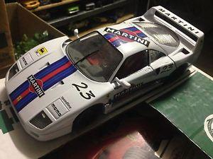 【送料無料】模型車 モデルカー スポーツカー フェラーリマルティーニferrari f40 martini 118 base burago