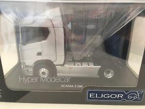 【送料無料】模型車 モデルカー スポーツカー スカニアトタートラックシルバー