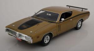 【送料無料】模型車 モデルカー スポーツカー ゴールドメタリック118 ertlauto world dodge charger rt 1971 goldmetallic