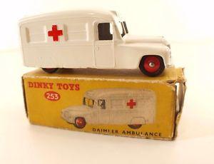 【送料無料】模型車 モデルカー スポーツカー neues angebotdinky toys gb n 253 daimler ambulance en bote