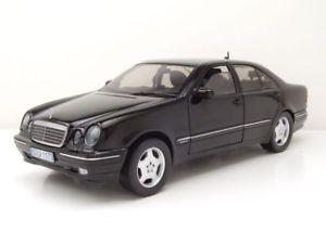 【送料無料】模型車 モデルカー スポーツカー メルセデスクラスブラックモデルカーサンmercedes e320 eklasse w210 2001 schwarz modellauto 118 sun star